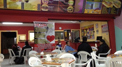 Photo of Burger Joint Faz Mania Lanches at Av. Independência,1360, Taubaté, Brazil