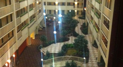 Photo of Hotel Embassy Suites by Hilton Philadelphia Airport at 9000 Bartram Ave, Philadelphia, PA 19153, United States