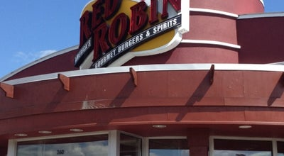 Photo of Burger Joint Red Robin Gourmet Burgers at 360 Buckland Hills Dr, Manchester, CT 06042, United States