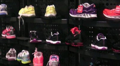 Photo of Shoe Store Foot Locker at 1530 Broadway, New York, NY 10036, United States