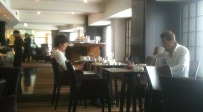 Photo of Hotel Bar Executive Lounge - Hilton Tokyo (ヒルトン東京 エグゼクティブラウンジ) at 西新宿6-6-2, 新宿区 160-0023, Japan