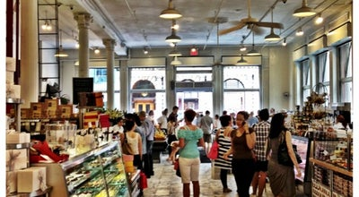 Photo of Grocery Store Dean & Deluca at 560 Broadway, New York, NY 10012, United States