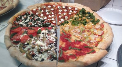 Photo of Pizza Place Vinnie's Pizzeria at 253 Nassau Ave, Brooklyn, NY 11222, United States