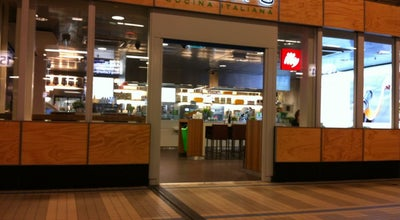 Photo of Italian Restaurant Julia's at Station Utrecht Centraal, Utrecht, Netherlands