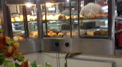 Photo of Bakery Florença Padaria e Pizzaria at R. André Perine, 130, Assis 19806-270, Brazil