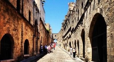 Photo of Pedestrian Plaza Οδός των Ιπποτών (Street of the Knights) at Οδός Των Ιπποτών, Rhodes 851 31, Greece