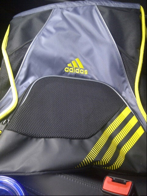 adidas troutdale outlet store