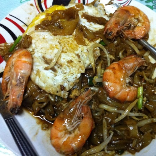 Should try the fried kuey teow. Recommended.