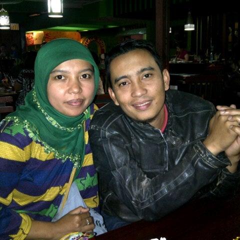 Photo taken at Bebek Van Java by Fitria A. on 8/18/2012