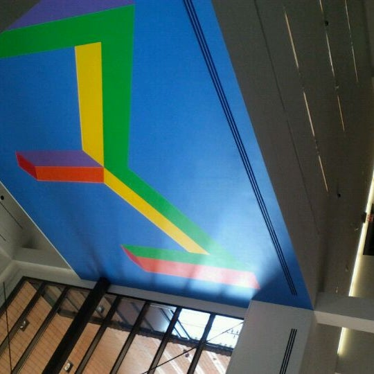 Photo taken at Bechtler Museum of Modern Art by Jerry C. on 9/28/2011