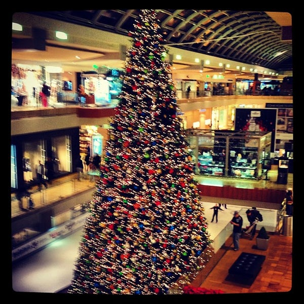 Galleria Mall Houston: Skating Rink In Uptown-Galleria