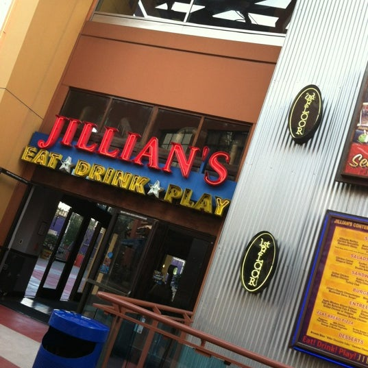 Jillians Sports Bar In Universal City Walk 31