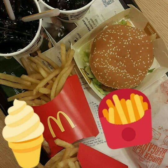 Photo taken at McDonald's by Venessa L. on 5/27/2016