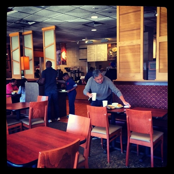 Photo taken at Panera Bread by Manny G. on 9/28/2013