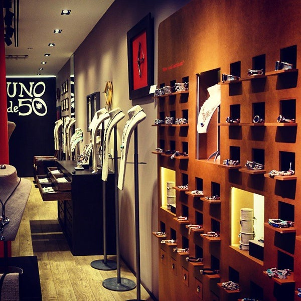 Uno de 50 jewelry store in new york for Jewelry stores in new york ny