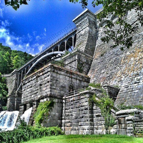 Photo taken at Croton Gorge Park by Milton on 7/14/2013