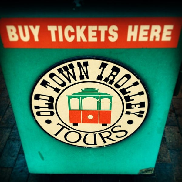 Photo taken at Old Town Trolley Tour by Christi A. on 8/13/2013