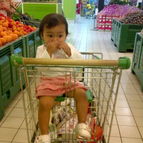 Photo taken at Giant Hypermarket by Raras on 2/7/2013