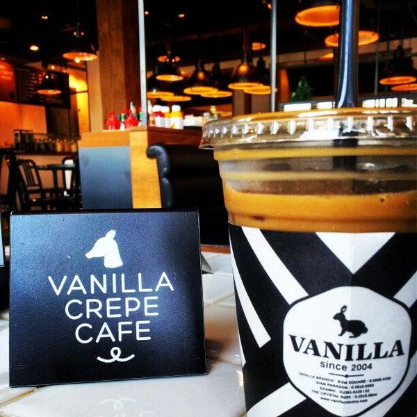 Photo taken at Vanilla Crepe Cafe by Ryuji380 on 1/19/2013