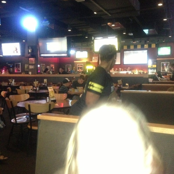 Photo taken at Buffalo Wild Wings by Charlie F. on 8/23/2013