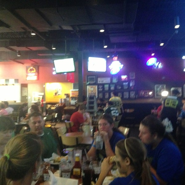Photo taken at Buffalo Wild Wings by Charlie F. on 9/15/2013