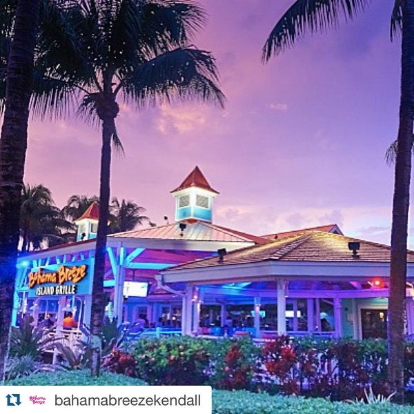 Photo taken at Bahama Breeze by Mr Q. on 7/24/2015