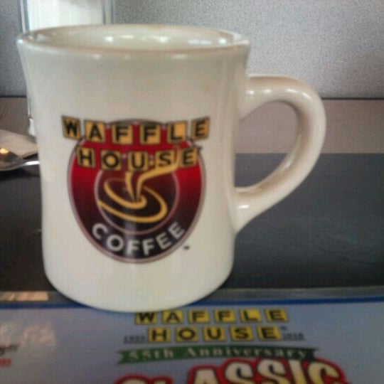 Photo taken at Waffle House by Cela H. on 4/6/2014