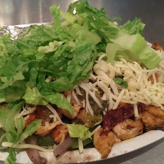 Photo taken at Chipotle Mexican Grill by Louie T. on 6/13/2013