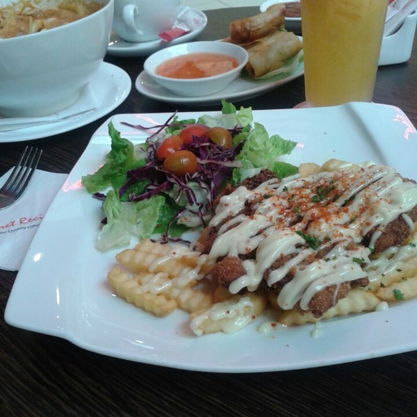 Photo taken at Secret Recipe by Mieyra D. on 2/17/2015
