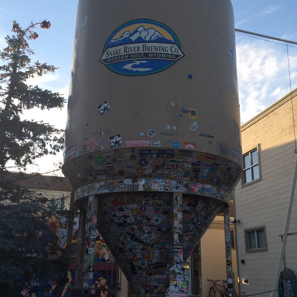 Photo taken at Snake River Brewery & Restaurant by Sarah M. on 9/26/2015