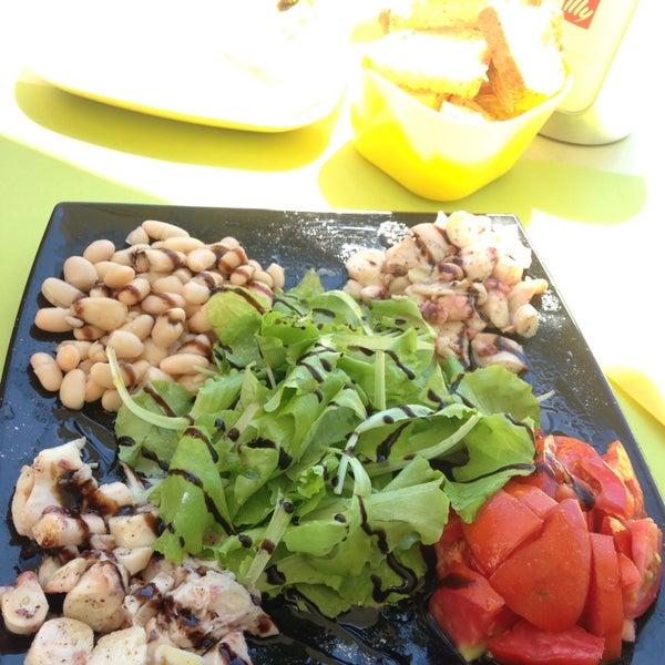 Photo taken at La Perla Cafè by Fabio F. on 7/16/2014