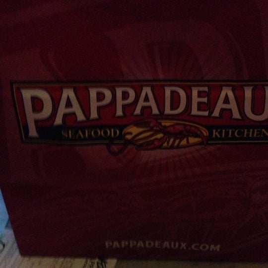 Photo taken at Pappadeaux Seafood Kitchen by Kuyawes H. on 11/17/2012