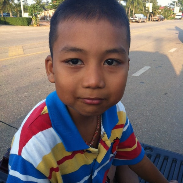 Photo taken at วัดโพธิ์ประทับช้าง by Black B. on 12/22/2013