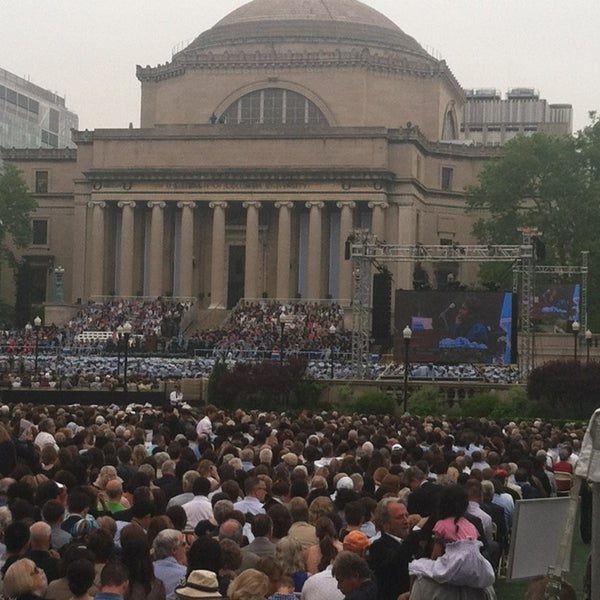 Photo taken at South Lawn Columbia University by El-Hadji H. on 5/22/2013