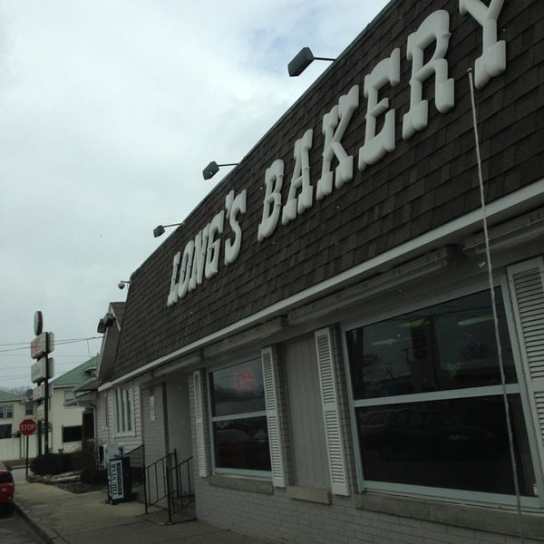 Photo taken at Long's Bakery by Kristi B. on 3/13/2013