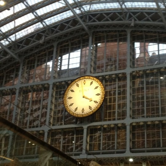 Photo taken at London St Pancras International Railway Station (STP) by Marie-Anne R. on 12/17/2012