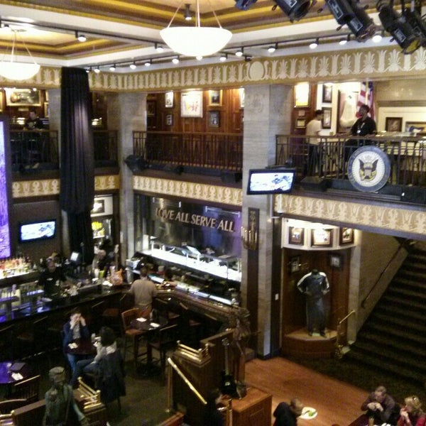 Photo taken at Hard Rock Cafe Washington DC by Renata C. on 3/8/2014