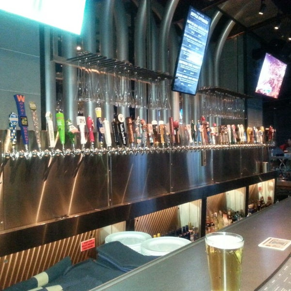 Yard house american restaurant in raleigh for The house raleigh