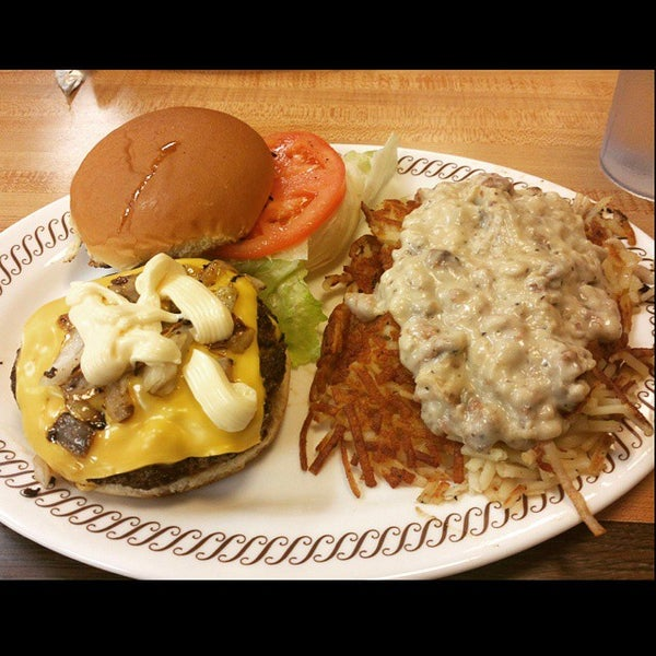 Photo taken at Waffle House by James G. on 5/4/2015