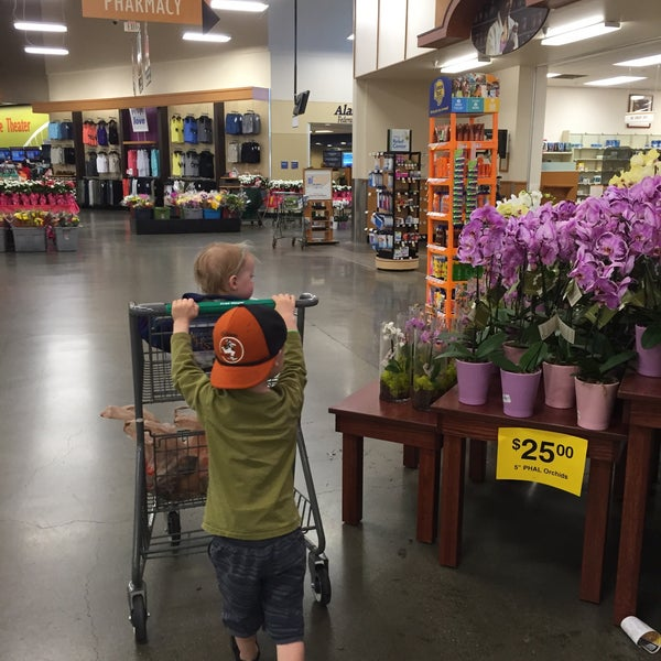 Photo taken at Fred Meyer by Whitney H. on 5/7/2016