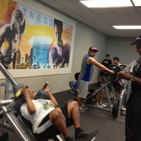 Photo taken at LA Fitness by Moor  Of Dundee L. on 7/15/2013