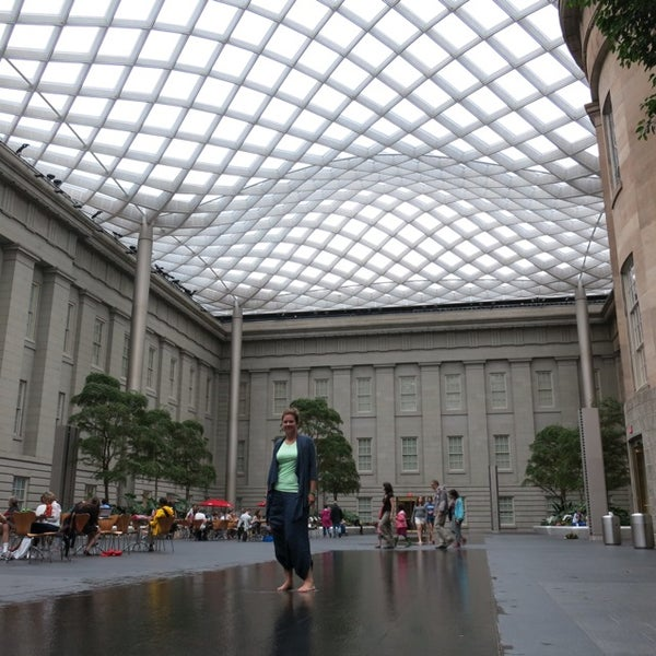 Photo taken at National Portrait Gallery by Bart v. on 6/7/2013