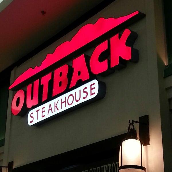 Foto tirada no(a) Outback Steakhouse por Tamiris L. em 4/26/2013
