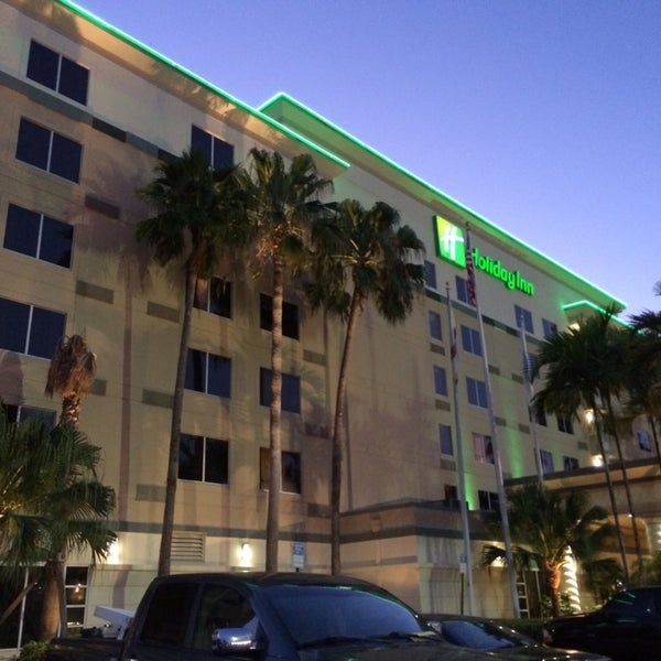 Photo taken at Holiday Inn Ft. Lauderdale-Airport by Daniel A. on 5/23/2014