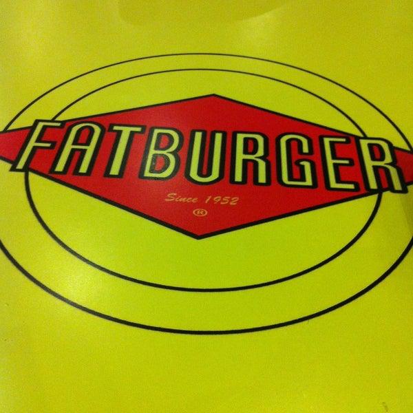 Photo taken at Fatburger | فات برجر by Abdullah M. on 4/28/2013