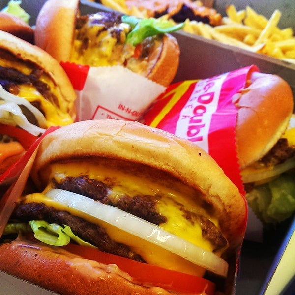 Photo taken at In-N-Out Burger by Nanc N. on 9/1/2014