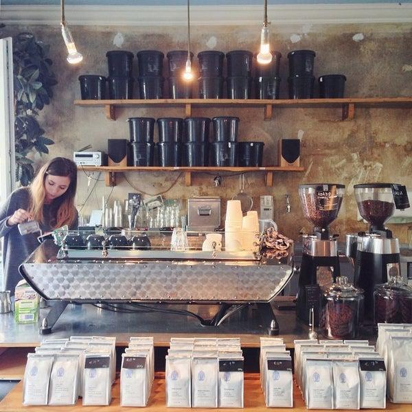 Photo taken at Bonanza Coffee by bosch on 9/16/2014
