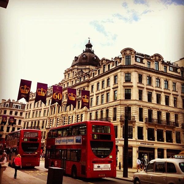 Photo taken at Oxford Street by Yongjoo J. on 7/4/2013