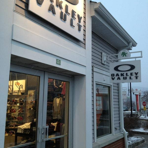 oakley vault store in san diego