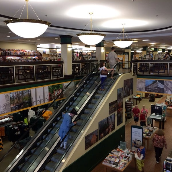 Photo taken at College of William & Mary Bookstore by Craig W. on 10/5/2013